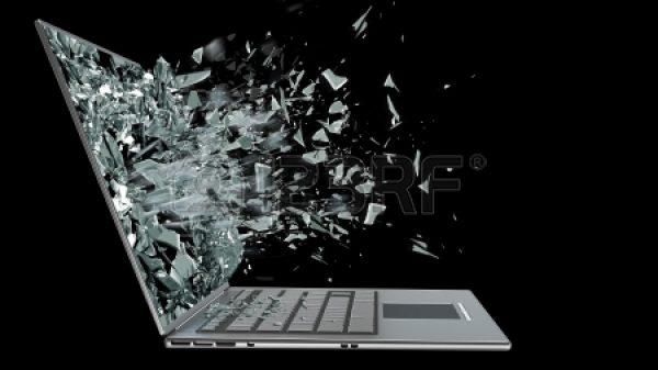 20365968-ordenador-portatil-con-pantalla-rota-aislado-sobre-fondo-negro