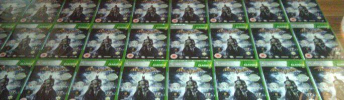 """Un cliente de """"The Hut"""" recibe por error mas de 90 copias de Batman Arkham Asylum"""