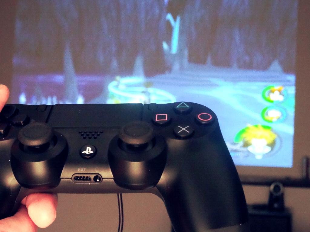 C mo usar mando ps4 para jugar en pc for Sillas para jugar ps4