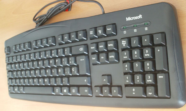 microsoft-wired-keyboard-200